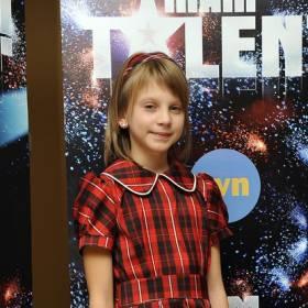 """Klaudia Kulawik wróciła do """"Mam talent"""" po 11 latach. Jak teraz wygląda?"""