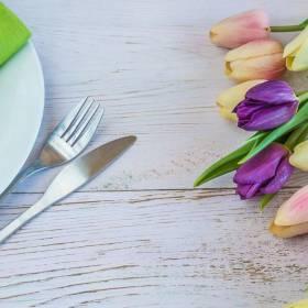 Wiosna w Twoim domu. Jakie kwiaty na wielkanocy stół?