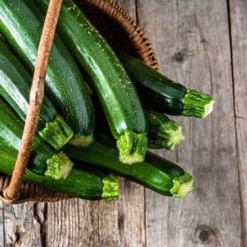 Cukinia faszerowana kaszą jaglaną i pomidorami - czyli zdrowo, szybko i smacznie!