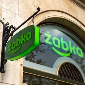 Otworzono pierwszą bezobsługową Żabkę. Całodobowy sklep bez kas i pracowników