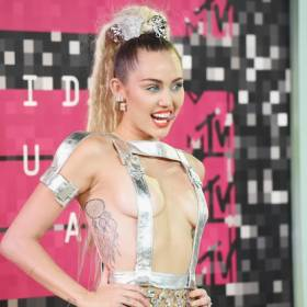 Miley Cyrus wraca do korzeni – pokazała nową fryzurę