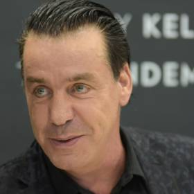 Wokalista Rammstein ma koronawirusa? Till Lindemann trafił na OIOM