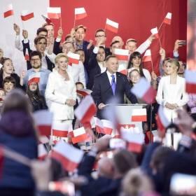 Wybory prezydenckie 2020. Andrzej Duda z niewielką przewagą
