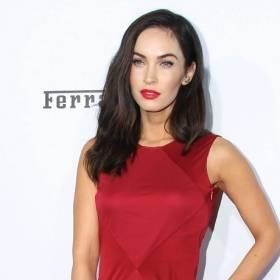 """Megan Fox pozuje w obcisłym stroju. Zagra w filmie """"Niezniszczalni 4"""". Wygląda korzystnie? [ZDJĘCIA]"""