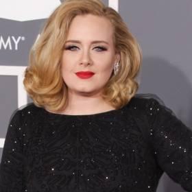Adele wygląda olśniewająco! Tak szczupła nigdy nie była [WIDEO]