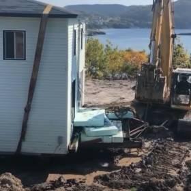 Planowali rozbiórkę ich domu. Postanowili przenieść go w nowe miejsce [WIDEO]