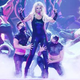 """Britney Spears tańczy do """"Hello"""" Adele – zobacz wideo!"""