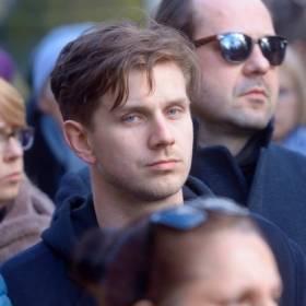 Antek Królikowski żegna zmarłego ojca. W sieci pojawił się poruszający wpis
