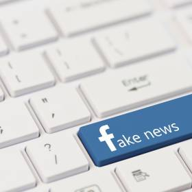 40-letni taksówkarz rozpowszechniał fake newsa. Trafi do więzienia