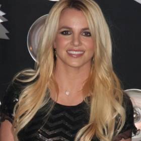 Britney Spears publikuje kadr z plaży. Fani martwią się o wokalistkę