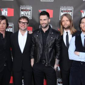 """Współzałożyciel """"Maroon 5"""" został aresztowany pod zarzutem przemocy domowej. Grozi mu do 6 lat więzienia"""