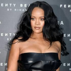 Rihanna pokazała niemal wszystko. Pozuje w prześwitującej bieliźnie swojej marki