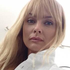 """Izabella Scorupco w bikini. Figura 51-latki zachwyca! """"Królowa"""" [FOTO]"""