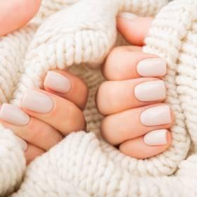 Jak zregenerować zniszczone paznokcie? Mamy skuteczne sposoby!