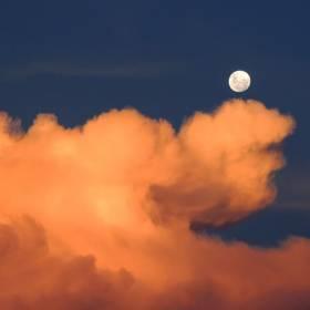 Sztuczny księżyc zamiast latarni? Tak będzie w Chinach!