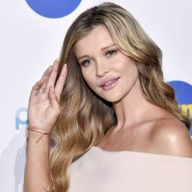 """Joanna Krupa udostępniła wideo z wymiotującą córką. Internauci podzieleni. """"Ciekawe, co powie za parę lat"""""""
