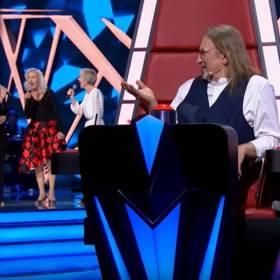 """""""The Voice Senior"""". Piękne trio oczarowało jury i widzów! Świetny występ sióstr Szydłowskich"""