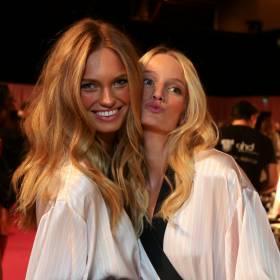 Aniołek Victoria's Secret w ciąży! Modelka pochwaliła się ciążowym brzuszkiem!