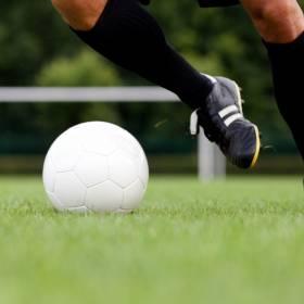 Polski piłkarz miał wypadek samochodowy. Do sieci trafiły zdjęcia