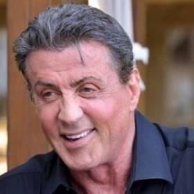 """""""Sylvester Stallone zmarł na raka prostaty"""". Aktor po raz kolejny został uśmiercony"""