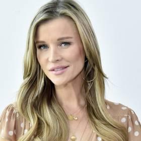 """Joanna Krupa na kolejnym zdjęciu """"z brzuszkiem"""". """"Wystrzałowa mamuśka!"""" - komentują fani"""