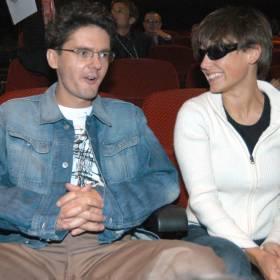 """Kuba Wojewódzki i Anna Mucha razem? Pokazał zdjęcie, a fani są przekonani: """"To nogi Muchy!"""""""