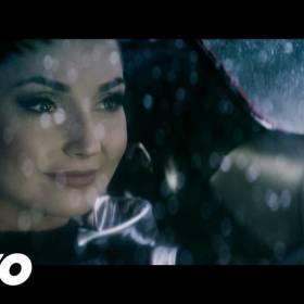 """Cleo – """"Zabiorę nas"""" w remixie Basto. Zobaczcie klip!"""