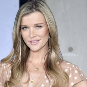 """Joanna Krupa w bieliźnie. Modelka bez skrępowania eksponuje zgrabne ciało. """"Pewność siebie jest piękna"""" [ZDJĘCIA]"""