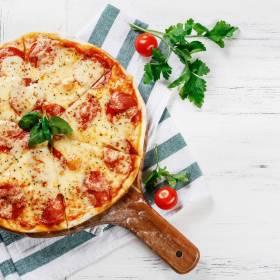 Pizza z twarogu robi furorę w sieci! Poznaj przepis z... TikToka!