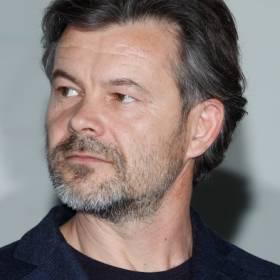 """Pshemko nie wrócił do """"BrzydUli"""". Teraz Jacek Braciak krytykuje seriale stacji: """"Wszystkie są takie same"""""""
