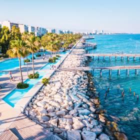 Cypr zaprasza na wakacje. Zapłaci za wszystko, jeśli zachorujesz