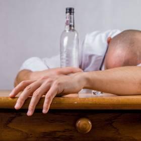 Popularna wódka wycofana! Producent ostrzega przed jej piciem
