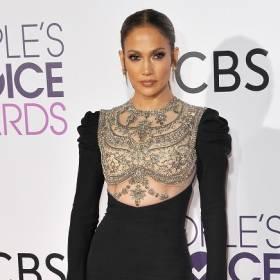 Jennifer Lopez opala się we Włoszech. Ben Aflleck nie odstępuje jej na krok [ZDJĘCIA]