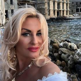 Dagmara Kaźmierska przeszła metamorfozę! Wygląda jak gwiazda filmowa!