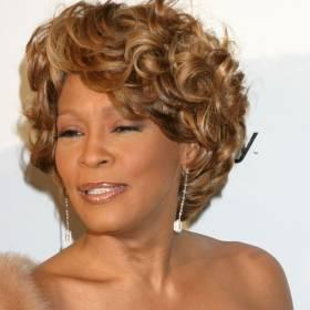 Nowe informacje o ostatnich chwilach Whitney Houston. Gwiazda uratowała swoją córkę