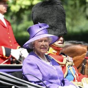 67 lat panowania królowej Elżbiety II. Jak wyglądała koronacja? [ZDJĘCIA, FILM]
