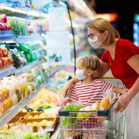 Bez maseczki nie zrobimy zakupów? Nowe przepisy jeszcze w tym miesiącu!