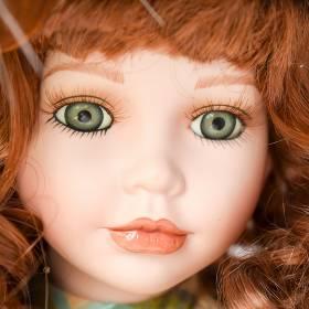 Kulturysta poślubił... lalkę, potem wziął z nią rozwód. Obecnie żyje z dwoma innymi [+18]
