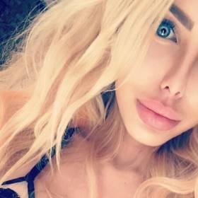 """Polska Barbie znowu kusi na Instagramie: """"Piersi wszędzie! Jakie ciało - taka inspiracja"""""""