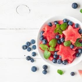 Dieta na upały. Co warto jeść, a czego zdecydowanie unikać ?