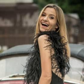 """Joanna Koroniewska w skąpym gorsecie. """"Ostro grasz"""" - komentuje mąż"""