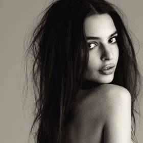 "Emily Ratajkowski kusi tańcząc do ""Sweat"" Snoop Dogga!"