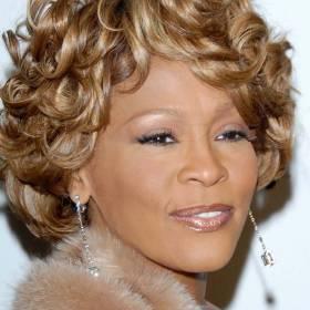 Whitney Houston miała romans z kobietą? Jej asystentka ujawniła szczegóły ich relacji