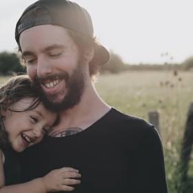 Wszystkiego najlepszego dla wszystkich ojców! Dzień Ojca czy Dzień Matki, co było pierwsze?