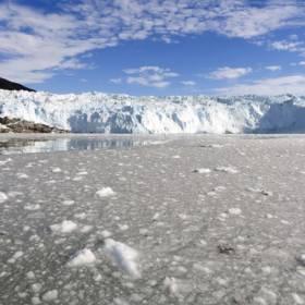 Rekordowe ilości roztopionego lodu Grenlandii. Opublikowano szokujące zdjęcie