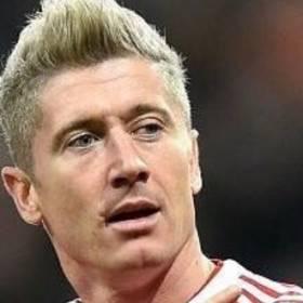 Robert Lewandowski pożegnał się z blondem. Piłkarz ma już inną fryzurę
