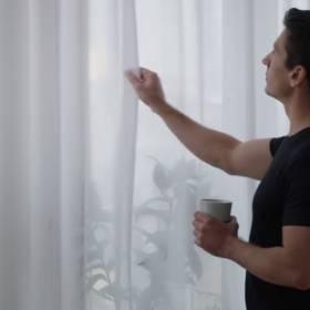 IKEA wprowadza zasłony z filtrami powietrza. Pracowała nad tym kilka lat!