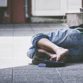 Marta Wojtal kilka lat temu sfotografowała bezdomnego mężczyznę. Teraz zobaczyła go w kampanii reklamowej!