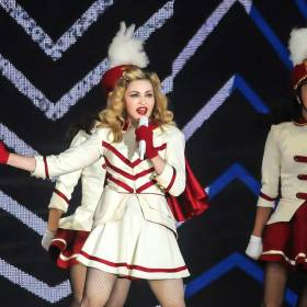 Madonna nie przestaje szokować. Gwiazda pokazała się bez stanika!