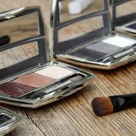 Świąteczne brwi: Nowy kosmetyczny trend!